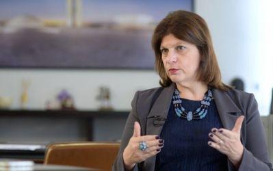 Servidora do Senado vai fazer doutorado de 200 mil com dinheiro do povo